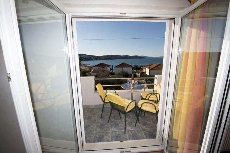 A3(4+2): window view - 6013 A3(4+2) - Okrug Gornji - Okrug Gornji - rentals