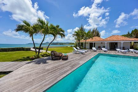 Great Beachfront Location! Villa Casa Cervo offers Space, Pool & Sea Views - Image 1 - Saint Martin-Sint Maarten - rentals