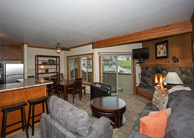 Living Room - Remodeled 2 BR - WALKING DISTANCE to Ski Slopes - Only $225/nt in JULY - Olympic Valley - rentals