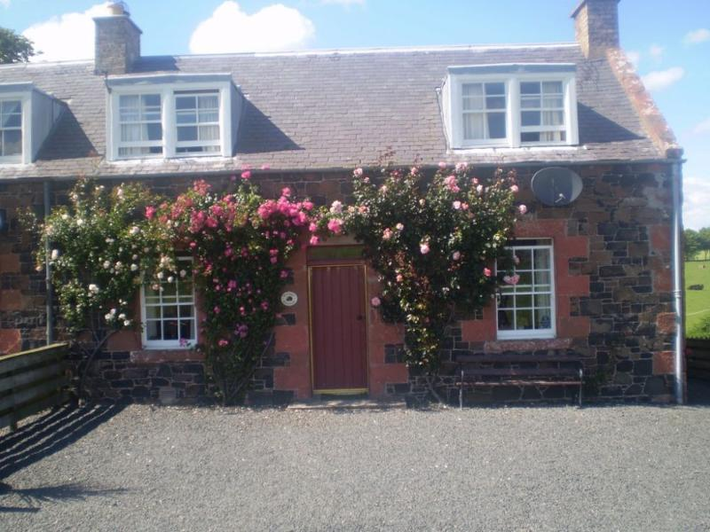 CRAGGS COTTAGE, Kelso, Roxburghshire, Scottish Borders - Image 1 - Kelso - rentals