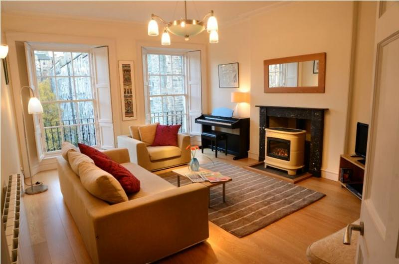 THE STYLISH CITY BREAK, Gayfield Square, Edinburgh, Scotland - Image 1 - Edinburgh - rentals
