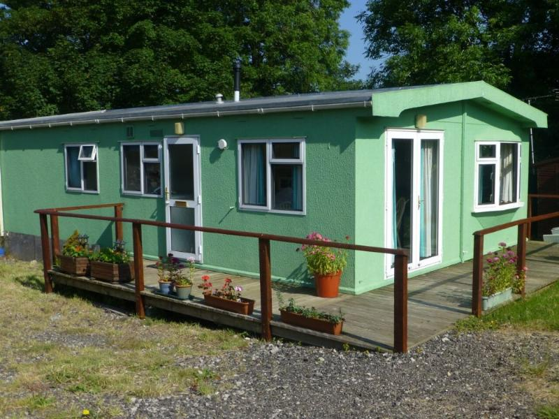 STONEY GARTH CABIN, Little Asby, Appleby, Eden Valley - Image 1 - Great Asby - rentals