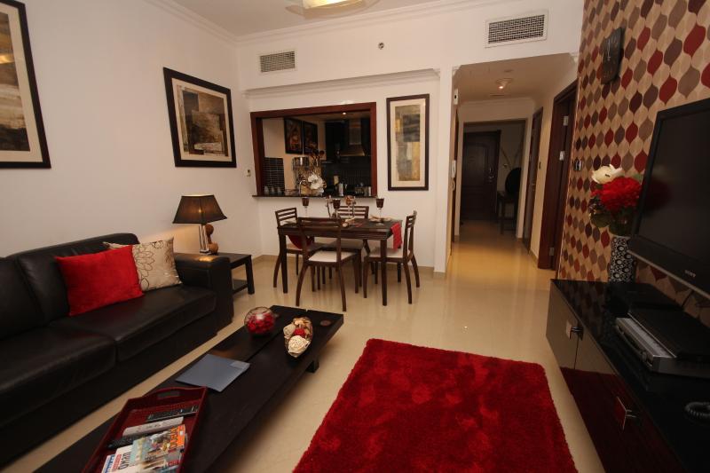 Lounge Area - Gorgeous apartment sleeps upto  4 close to metro - Dubai Marina - rentals