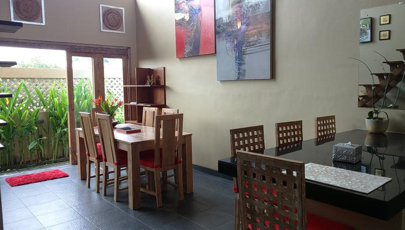 Contemporary Balinese house in Seminyak, Mie Casa - Image 1 - West Sulawesi - rentals