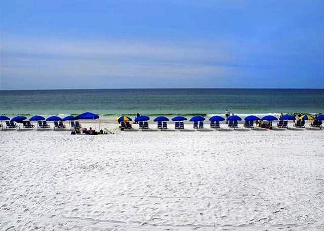 BIG BEAUTIFUL BEACHFRONT FOR 6! OPEN 9/26-30! ONLY $795 TAX INCLUDED! - Image 1 - Destin - rentals