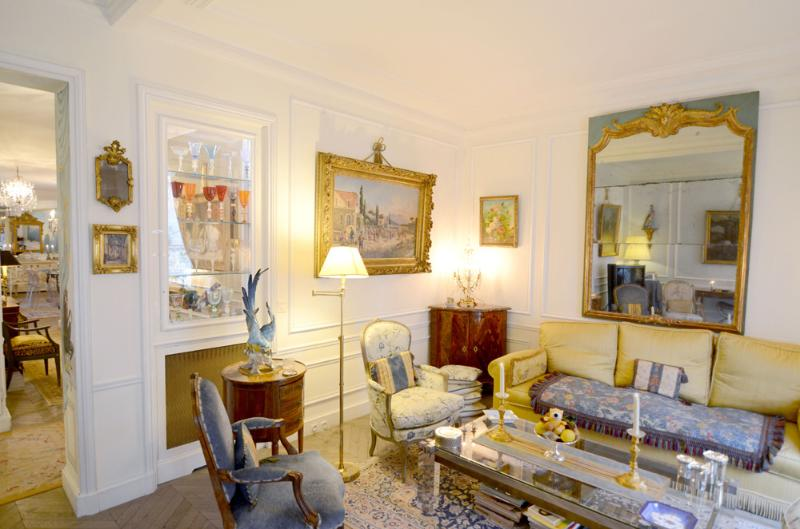 Living room - Elegant 3 Bedroom Apt Near Eiffel Tower - Alma - Paris - rentals