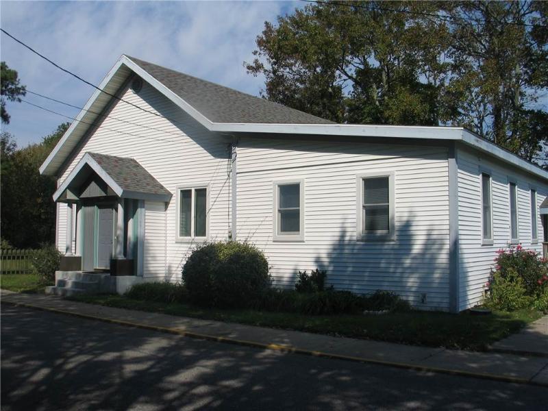 Poplar House - Image 1 - Chincoteague Island - rentals