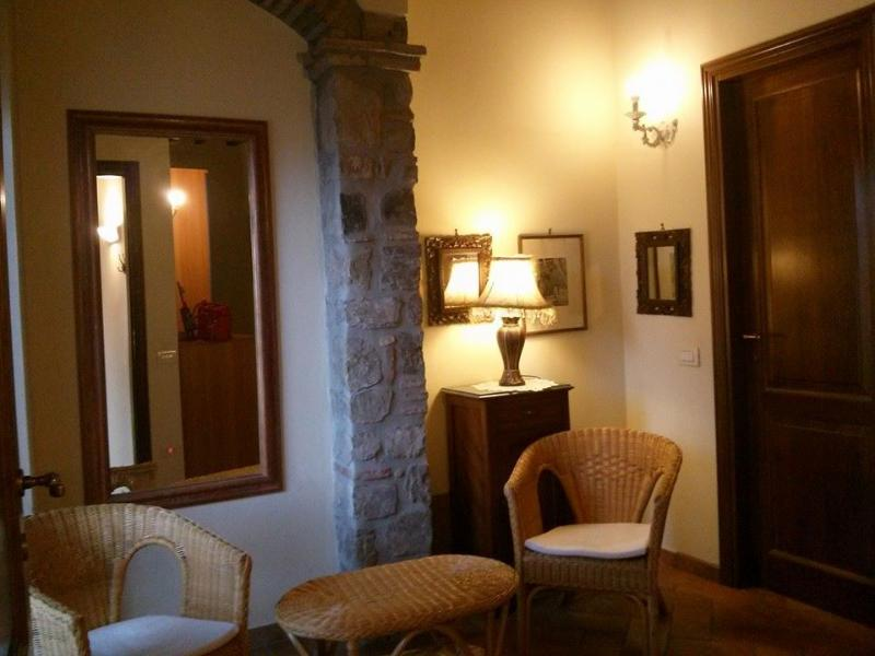 the hall- living room - Lovely    country house near Florence city center - Florence - rentals