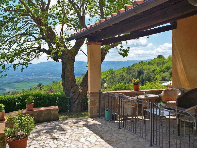 """""""The Porch"""" - Podere Casarotta apt #2 """"Il Loggiato"""" - The Porch - Loro Ciuffenna - rentals"""
