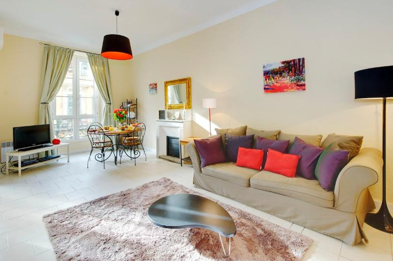 Apartment Lauren- Wonderful 2 Bedroom in Great Nice Location - Image 1 - Nice - rentals