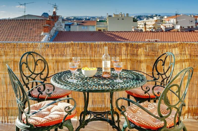 Portobello-GREAT VALUE. SPECIAL PROMO NOW ON - Image 1 - Nice - rentals