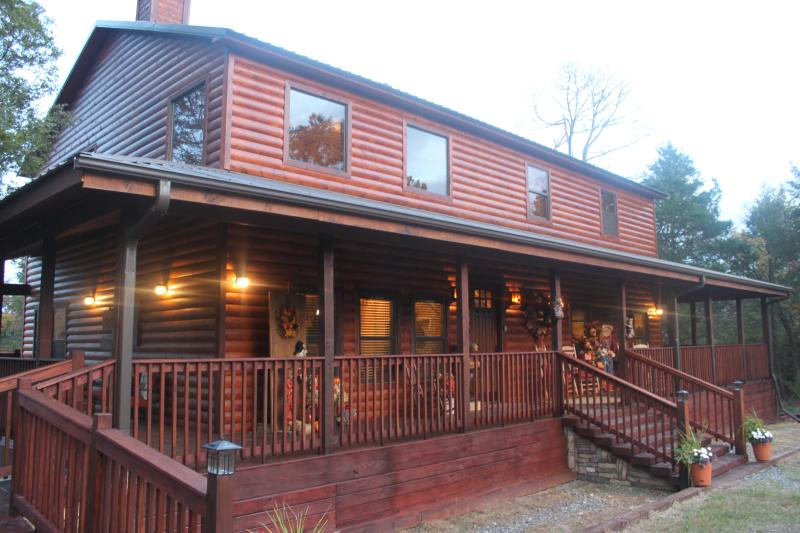 Front of Brown Bear - Luxurious Brown Bear Cabin - Talihina - rentals