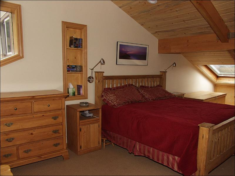 Master Bedroom with Bath/TV - Minutes from restaurants, shops, and lifts - Great Views! (3083) - Snowmass Village - rentals