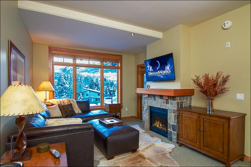 Main Living Area - Walk to restaurants and shops - View of Mt. Daly (9284) - Snowmass Village - rentals