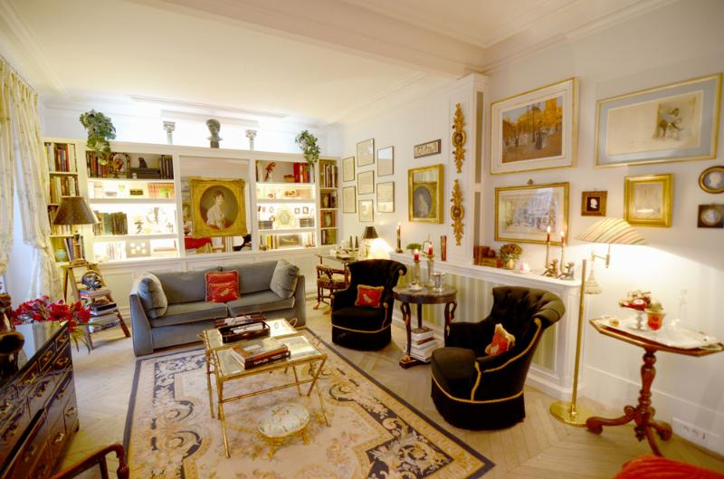Living room - Elegant Parisian Gem Near the Seine - Alma ET - Paris - rentals