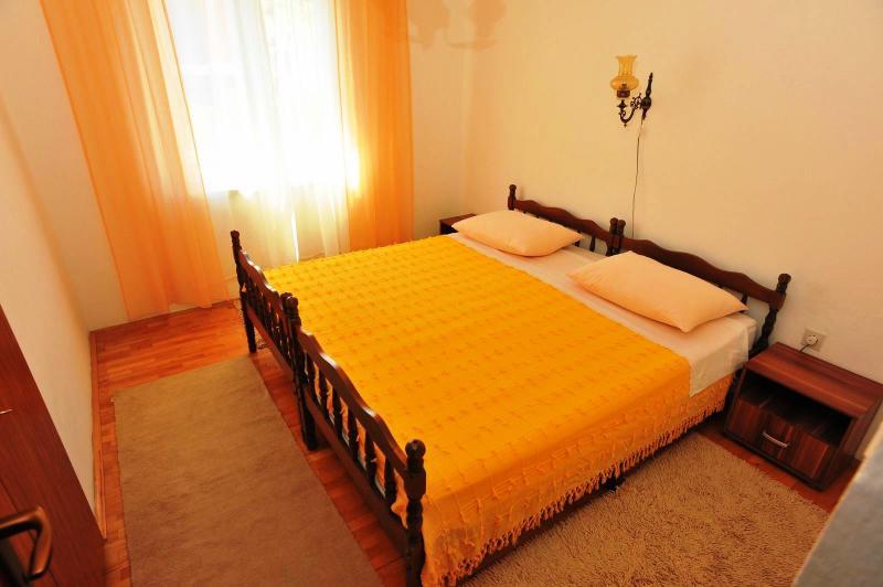 Apartment Ana - 43641-A1 - Image 1 - Sutivan - rentals