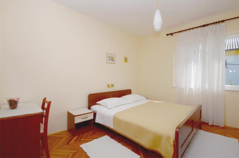 Rooms Marija - 65771-S3 - Image 1 - Banjol - rentals
