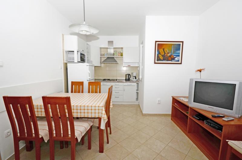 Apartments Vesna - 67891-A2 - Image 1 - Malinska - rentals