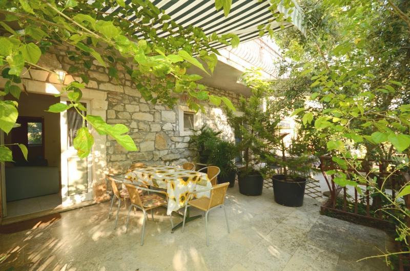 Apartments Massimo - 70981-A5 - Image 1 - Rovinj - rentals