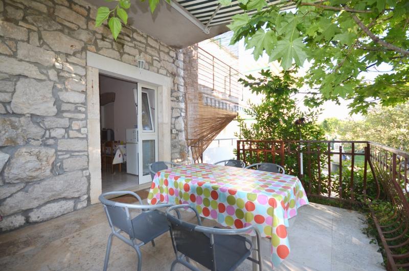 Apartments Massimo - 70981-A6 - Image 1 - Rovinj - rentals