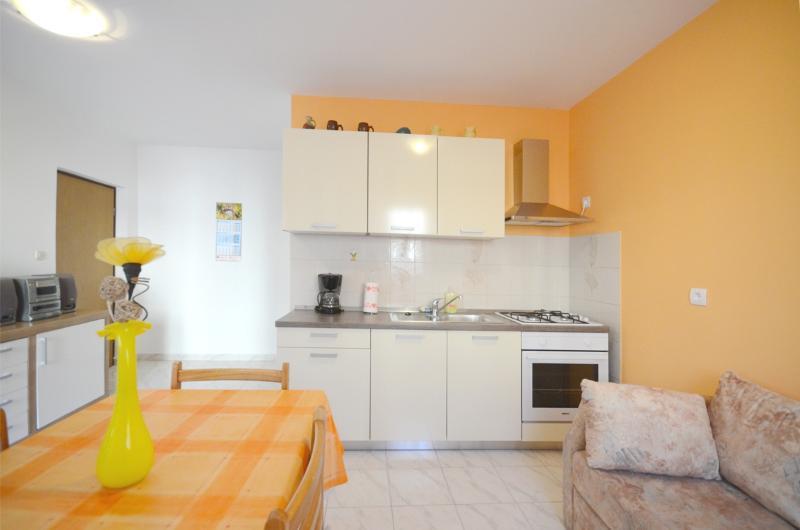 Apartments Milenko - 72501-A2 - Image 1 - Fazana - rentals