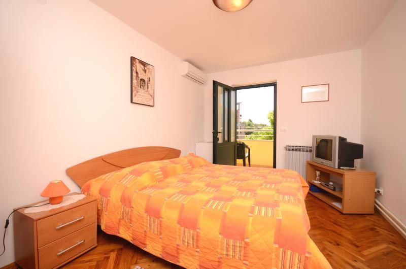 Apartments and Room Mirjana - 75111-S1 - Image 1 - Rovinj - rentals
