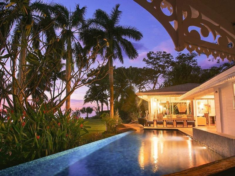 Villa Diosa del Mar Infinity Pool and Tropical Garden overlooking Pacific Ocean at Sunset - SPECIAL 20% OFF Amazing Beachfront Palace Costa Ri - Playa Junquillal - rentals