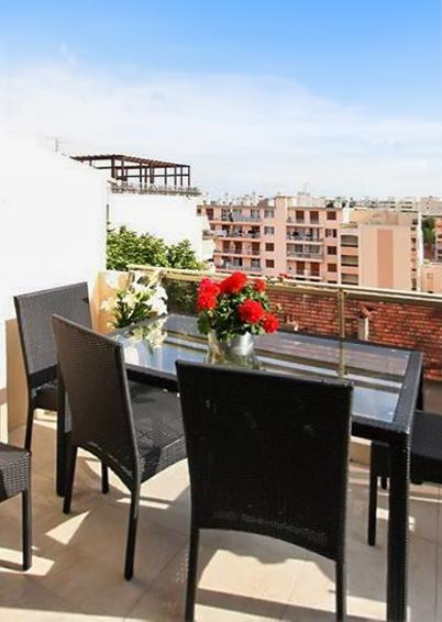 Modern luxury apartment with south-facing terrace, 300 meters from the beach - Image 1 - Juan-les-Pins - rentals