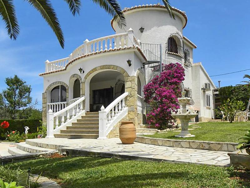 Exceptional Spanish villa in Dénia with a private swimming pool and a garden - Image 1 - Denia - rentals