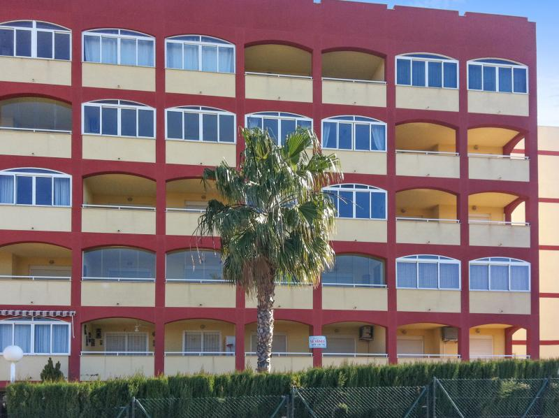 Modern, quiet apartment with impressive sea view - Image 1 - Torrevieja - rentals