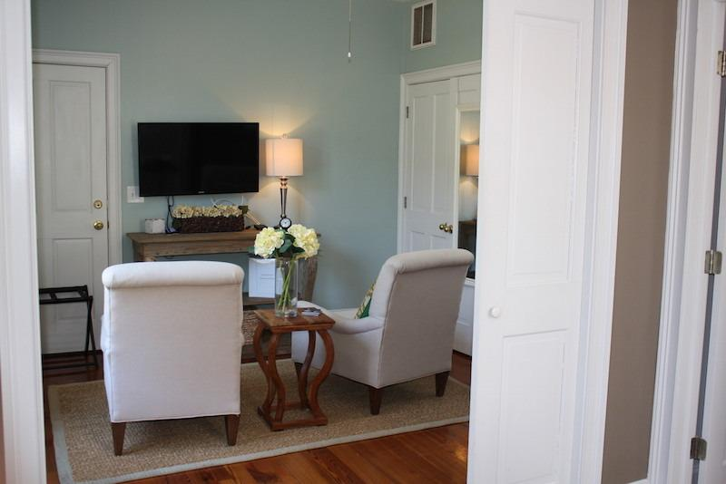 Downtown Charleston Poolside Suite - Image 1 - Charleston - rentals