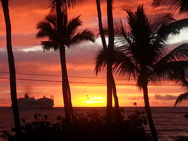 Ocean View from our Studio Condo Lanai WATCH SUNSETS INTO OCEAN! - $100night!! June, July. also several IRONMAN - Kailua-Kona - rentals