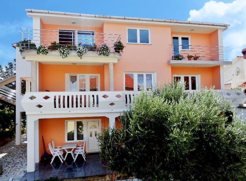 Apartments ANA, Croatia, Island KRK-NINA M.G - Image 1 - Silo - rentals