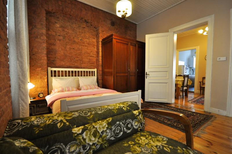 Lovely deluxe apartment in Beyoglu, Istanbul - Image 1 - Istanbul - rentals