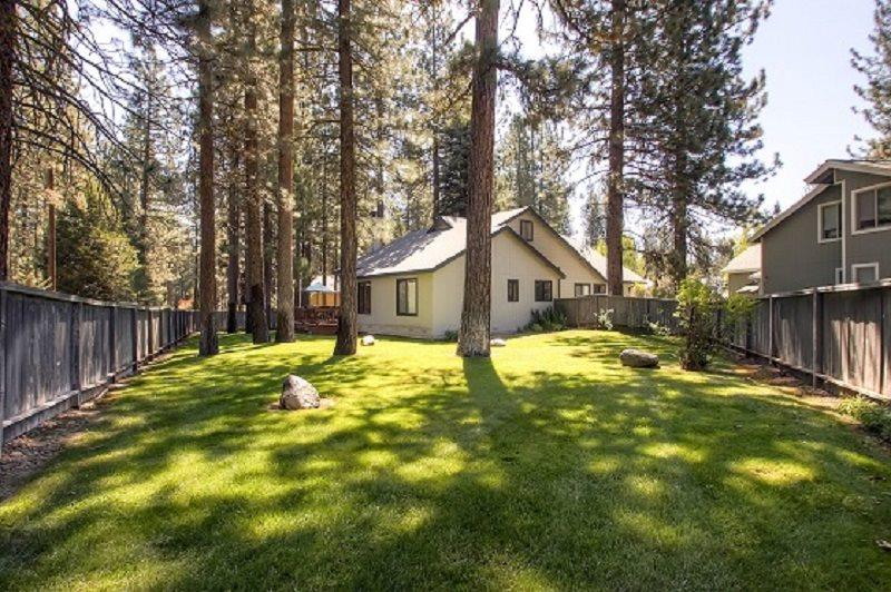 #43 ALDER Bring your best friend! $200.00-$235.00 BASED ON FOUR PEOPLE OCCUPANCY AND NUMBER OF NIGHTS (+ county tax, SDI and Processing fee) - Image 1 - Plumas County - rentals
