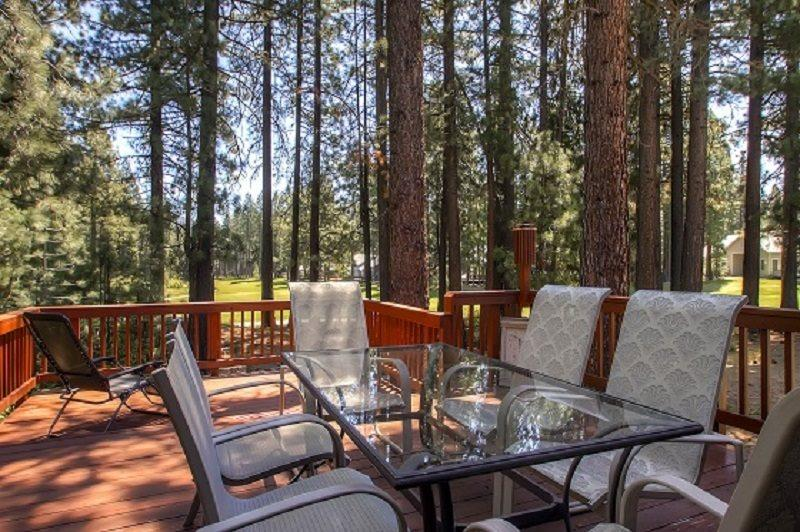 #192 COTTONWOOD Outstanding home on 16th Fairway of Plumas Pines Golf Resort $240.00- $275.00 BASED ON 4 PERSON OCCUPANCY AND NUMBER OF NIGHTS (plus county tax, SDI, and processing fee) - Image 1 - Plumas County - rentals
