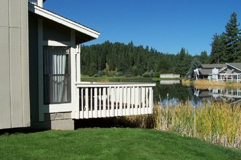 #28 ASPEN Pet Friendly Town Home!$170.00-$205.00 + PET FEE, BASED ON FOUR PEOPLE OCCUPANCY AND NUMBER OF NIGHTS. (plus county tax, SDI, and processing fee) - Image 1 - Plumas County - rentals