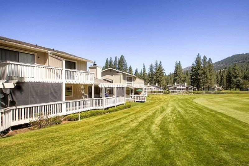 #33 ASPEN Fresh and Bright Town Home on the 5th Fairway $185.00-$220.00 BASED ON FOUR PERSON OCCUPANCY AND NUMBER OF NIGHTS. (plus county tax, SDI, and processing fee) - Image 1 - Plumas County - rentals