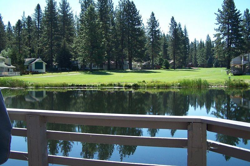 #55 PONDEROSA Comfy Town Home $90.00-$125.00 BASED ON FOUR PERSON OCCUPANCY AND NUMBER OF NIGHTS (plus county tax, SDI, and processing fee) - Image 1 - Plumas County - rentals