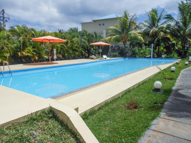 Luxury flat in Flic-en-Flac, Mauritius, with 2 terraces and access to 2 pools, close to the sea - Image 1 - Flic En Flac - rentals