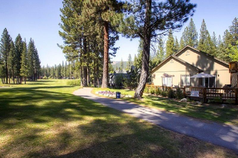 #101 COTTONWOOD Fantastic Large Home with extra Apartment $310.00-$335.00 BASED ON FOUR PEOPLE OCCUPANCY AND NUMBER OF NIGHTS (plus county tax, SDI, and processing fee) - Image 1 - Blairsden - rentals
