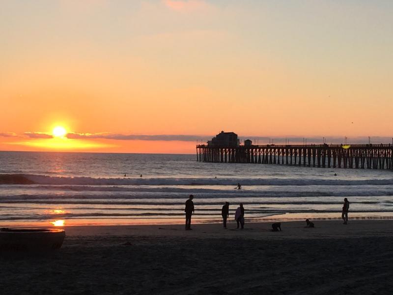 Fabulous Beach Condo, Just a 4 Minute Walk to Beach - Image 1 - Oceanside - rentals