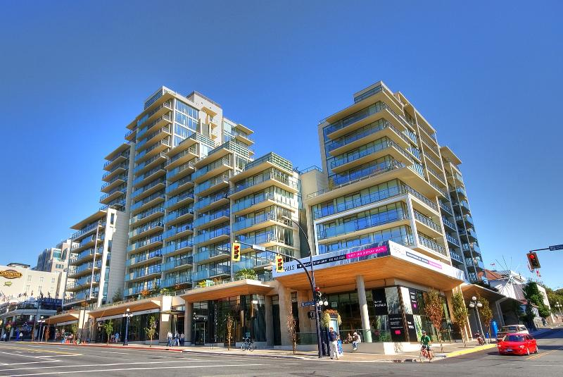 Downtown Luxury at the Falls - Image 1 - Victoria - rentals