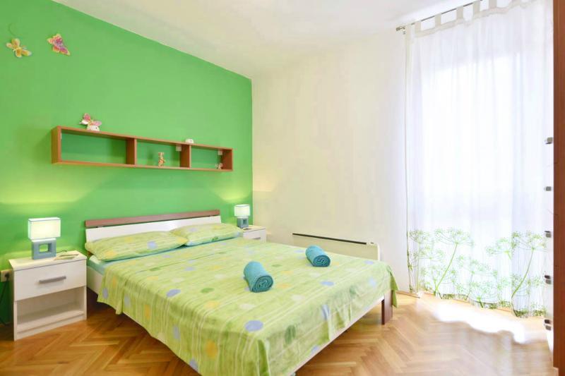 Apartment Vicko - 45901-A1 - Image 1 - Omis - rentals