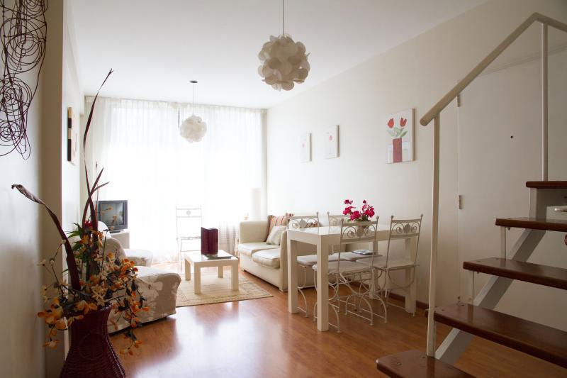 01- Sala de Estar -Vista a la Calle- balcón - Duplex Beruti -Recoleta - Buenos Aires - rentals