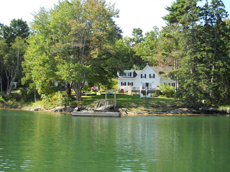 Tidewater Farm on Southport Island overlooking Decker Cove - TIDEWATER FARM | SOUTHPORT ISLAND | COVE SIDE | DECKER'S COVE| QUIET GETAWAY | DOCK & FLOAT - Boothbay - rentals