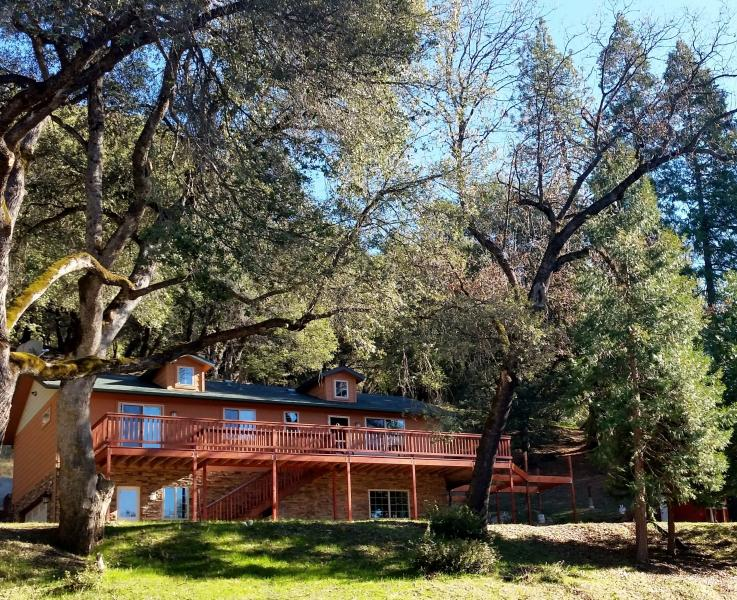Yosemite Vacation haus! Where the stay alone is a Vacation! - LUXURY AND COMFORT NEAR YOSEMITE AND BASS LAKE - Oakhurst - rentals