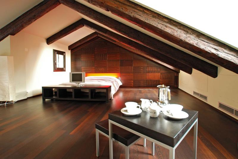 the cozy and spacious attic of the Casanova apartment - Casanova - Venice - rentals