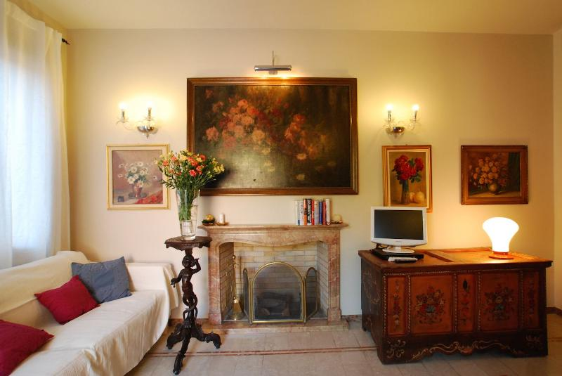 Fresia apartment living room with fireplace - Fresia - Venice - rentals