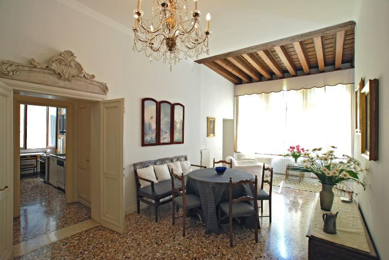 living / dining room of the Rezzonico Palace apartment - Rezzonico Palace - Venice - rentals